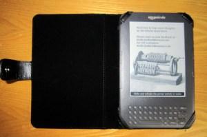 装在皮套中的Kindle3